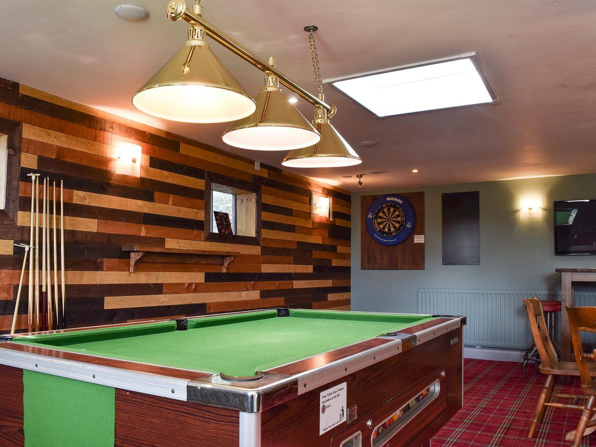 Club House & Bar